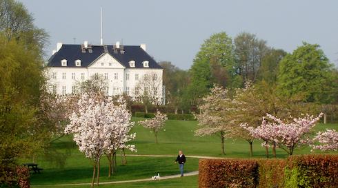 Mindeparken og Marselisborg Slot